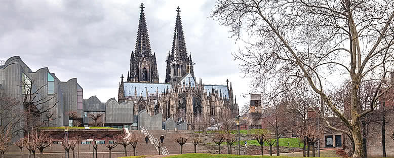 Katedral ve Filarmoni Orkestrası salonu - Köln