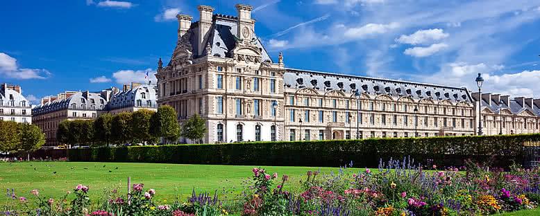 Louvre Müzesi ve Bahçeleri - Paris