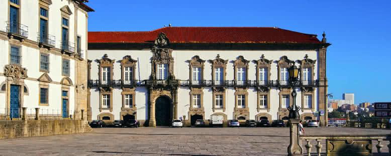 Piskoposluk Sarayı - Porto