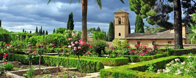 Elhamra Sarayı Bahçeleri - Granada
