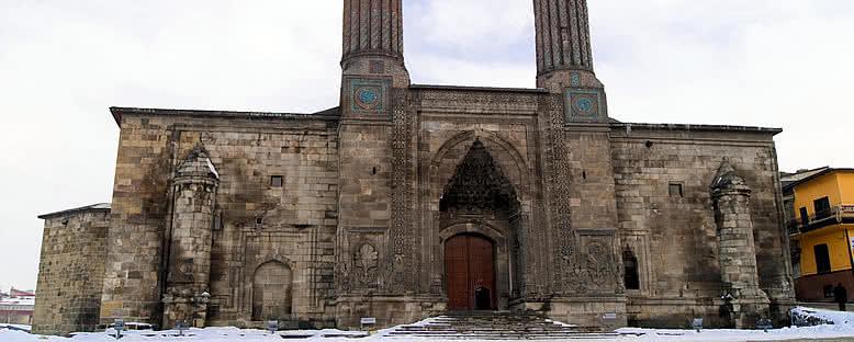 Çifte Minareli Medrese - Erzurum