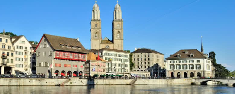 Tarihi Şehir Manzarası - Zürih