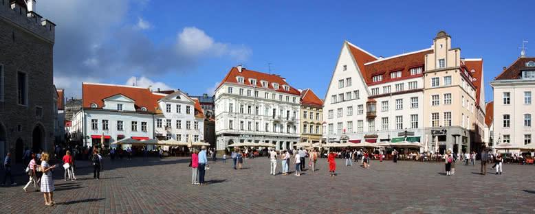 Raekoja Plats - Tallinn