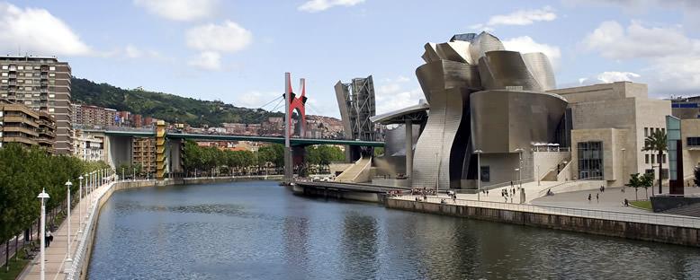 Guggenheim Müzesi ve Nervion Nehri - Bilbao