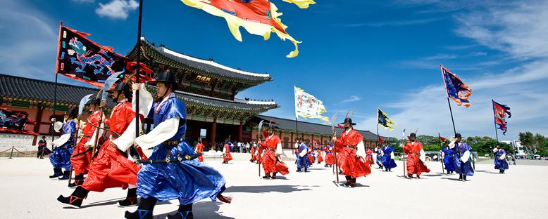 Gyeongbokgung Sarayı'nda Nöbet Değişimi - Seul