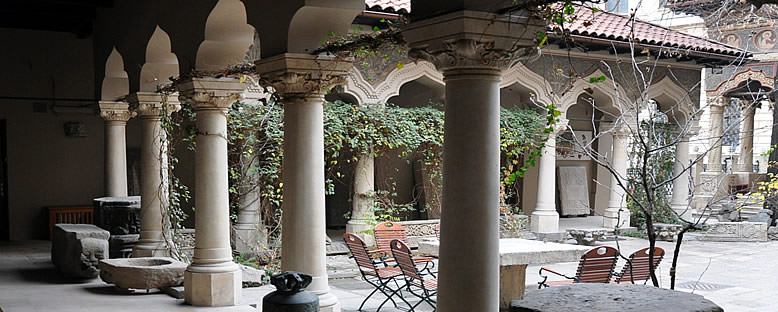Stavropoleos Manastırı Avlusu - Bükreş