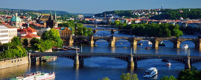 Vltava Nehri - Prag