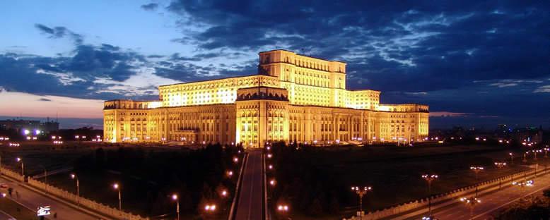 Gece Işıklarıyla Parlamento Binası - Bükreş
