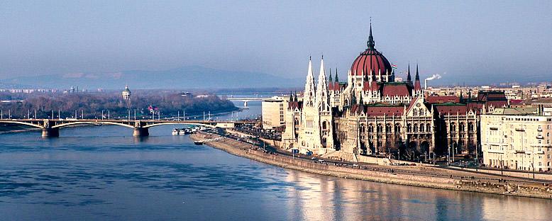 Tuna Nehri ve Parlamanto Binası - Budapeşte