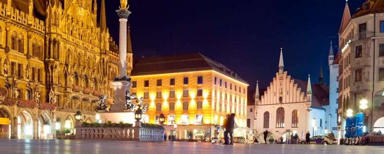 Eski Belediye Binası ve Marienplatz - Münih