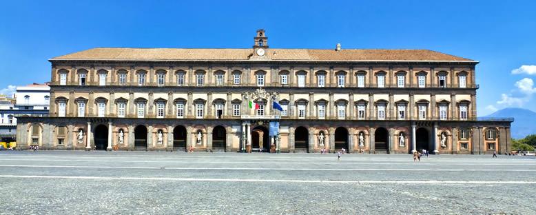 Kraliyet Sarayı - Napoli