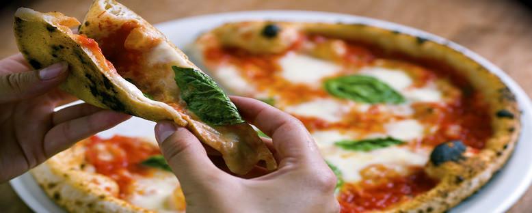 Pizza Napoletana - Napoli