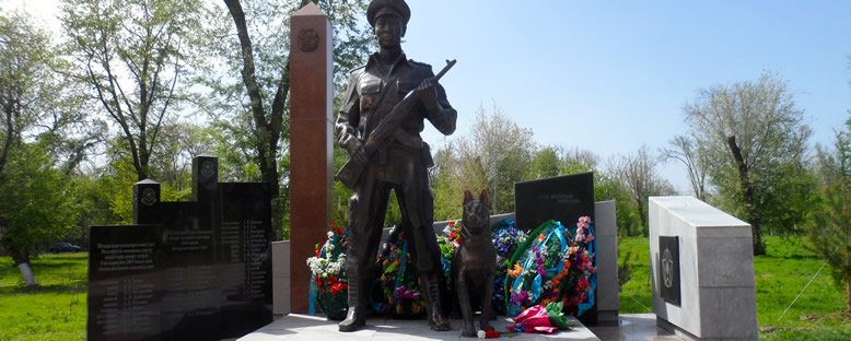 Abay Park ve Savaş Anıtı - Çimkent