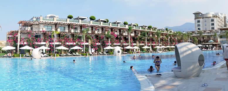 Açık Havuz - Cratos Premium Hotel