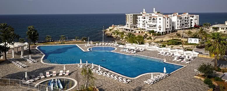 Açık Havuz - Jasmine Court Hotel & Casino
