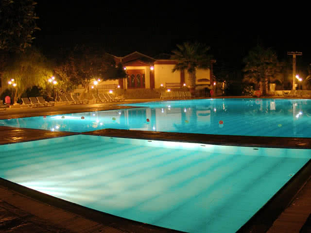Açık Havuz - Merit Cyprus Gardens Holiday Village