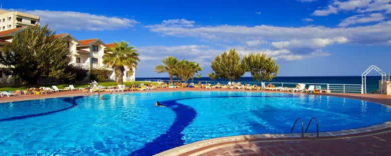 Açık Havuz - Salamis Bay Conti Hotel