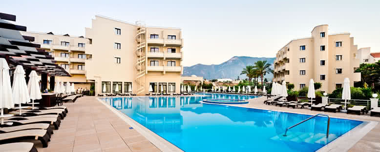 Açık Havuz - Vuni Palace Hotel