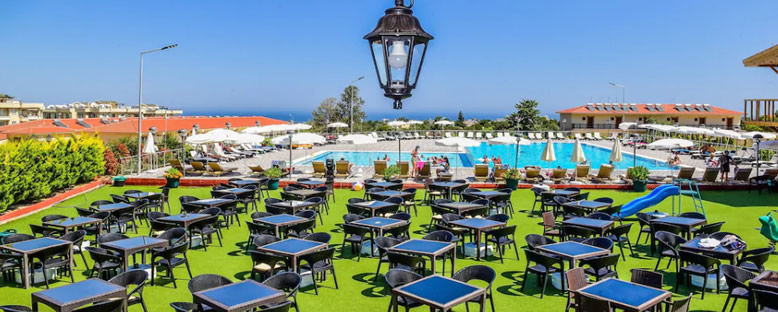 Açık Restaurant - Riverside Garden Resort
