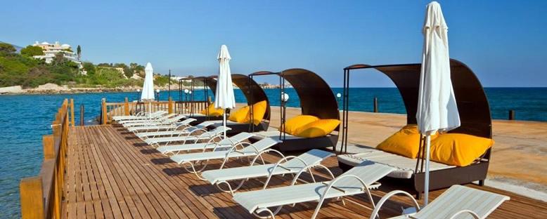 İskele ve Şezlongler - Ada Beach Hotel