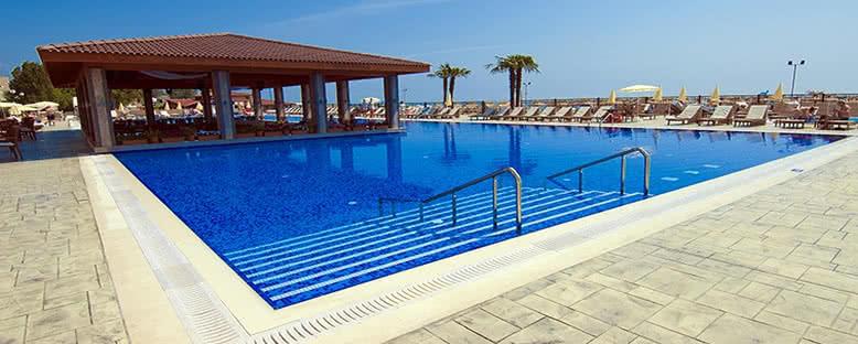 Admiral Hotel Havuzları - Varna