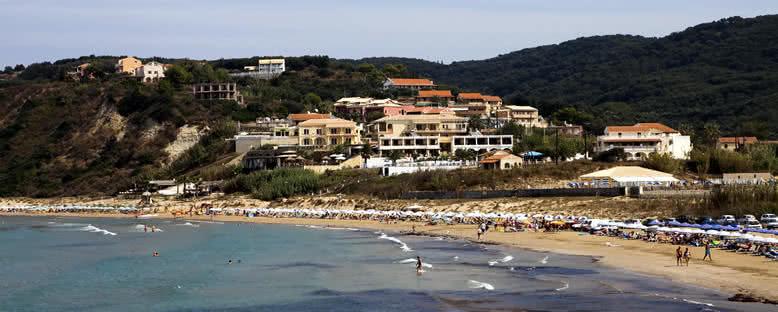 Agios Stefanos Plajı - Korfu