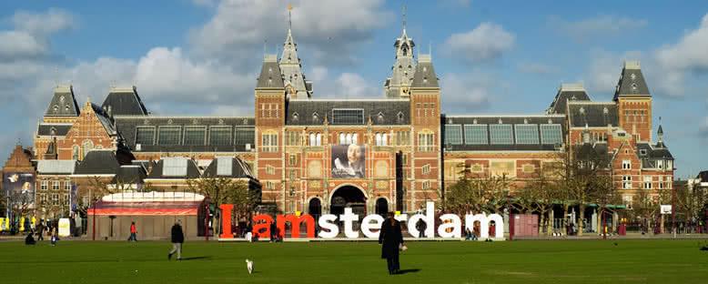 Rijksmuseum ve Amsterdam Logosu - Amsterdam