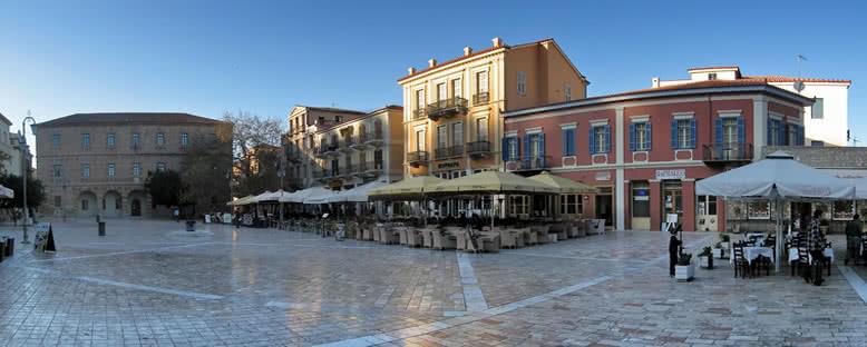 Anayasa Meydanı - Nafplion