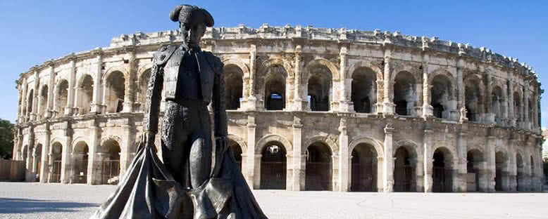 Arena ve Matador Heykeli - Nimes