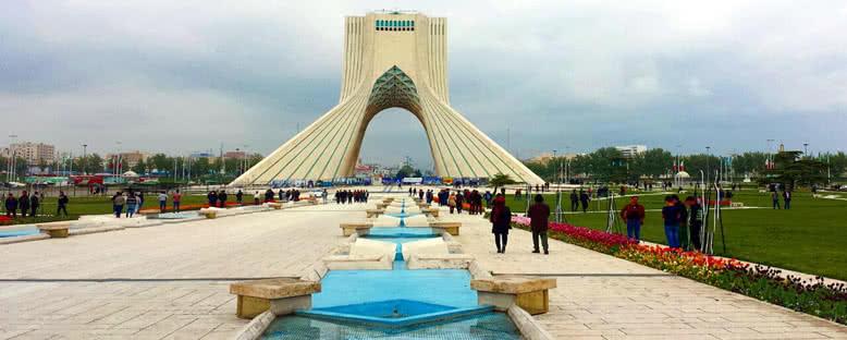Azadi Kulesi ve Meydanı - Tahran