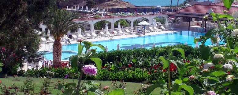 Bahçeler ve Havuz - Deniz Kızı Royal Hotel