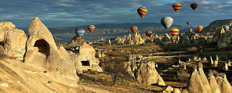 Balonlar ve Manzara - Kapadokya