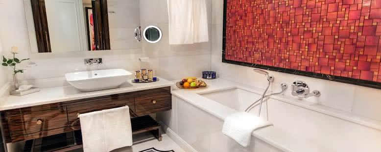 Banyo - Merit Royal Premium Hotel