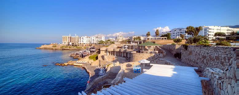 Beach Club - Jasmine Court Hotel & Casino