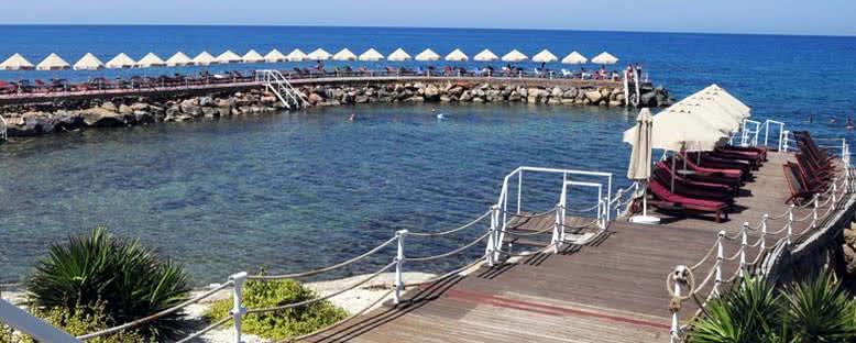 Beach Club - Malpas Hotel
