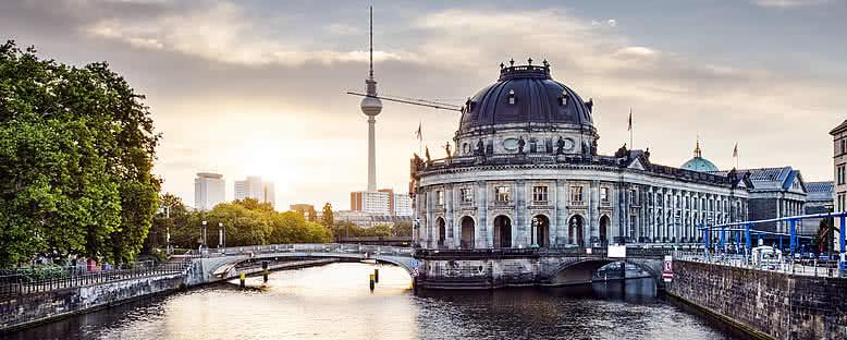 Müzeler Adası ve TV Kulesi - Berlin