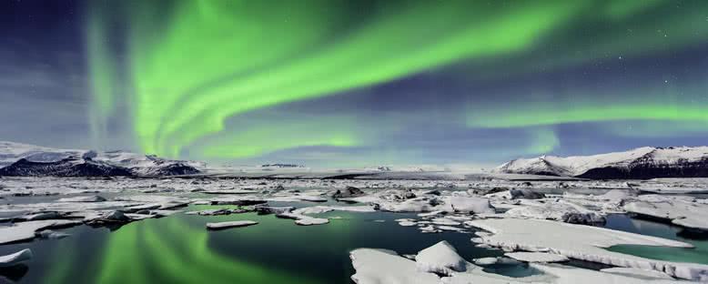 Buzul Gölünde Kuzey Işıkları - Jökulsarlon