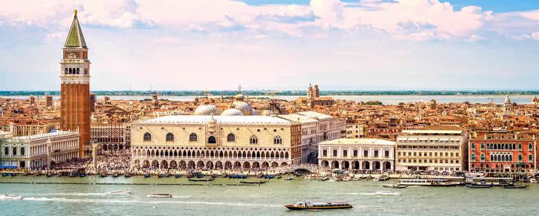 Campanile ve Düklük Sarayı - Venedik