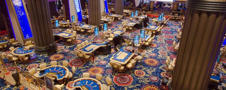 Casino - Cratos Premium Hotel
