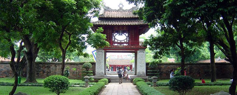 Edebiyat Tapınağı Bahçeleri - Hanoi