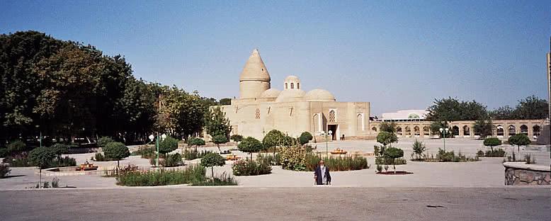 Chashma-i Ayub Mozolesi - Buhara