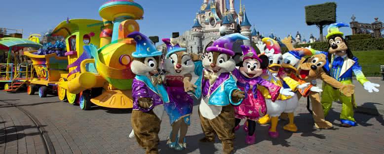 Çizgi Film Karakterleri - Disneyland