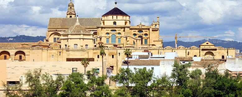 Mezquita Camii ve Katedrali - Cordoba