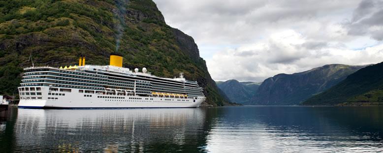 Costa Mediterranea ile Norveç Fiyortları Gemi Turu