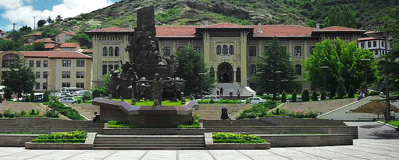 Cumhuriyet Meydanı ve Hükümet Konağı - Kastamonu