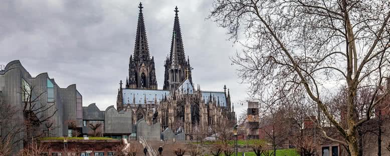 Dom ve Filarmoni Orkestrası Salonu - Köln