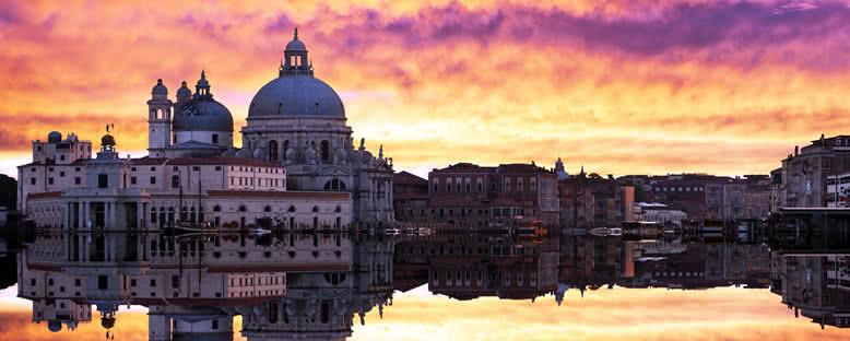 Gün Batımında Santa Maria della Salute Bazilikası - Venedik