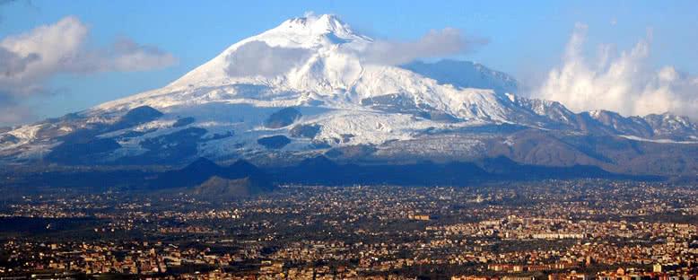 Etna Volkanı ve Şehir - Catania