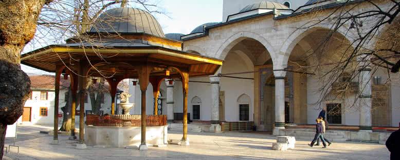 Gazi Hüsrev Bey Camii - Saaybosna