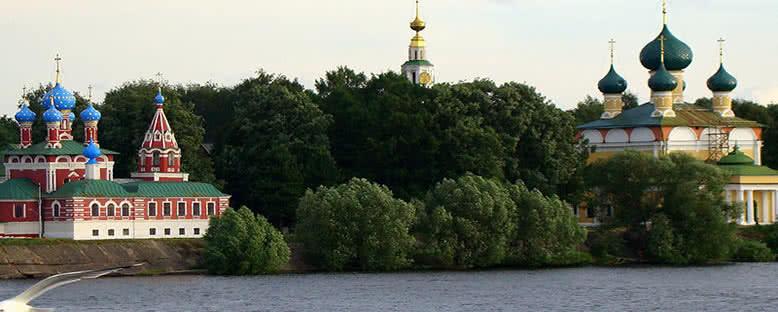 Gemi Güvertesinden Kiliseler